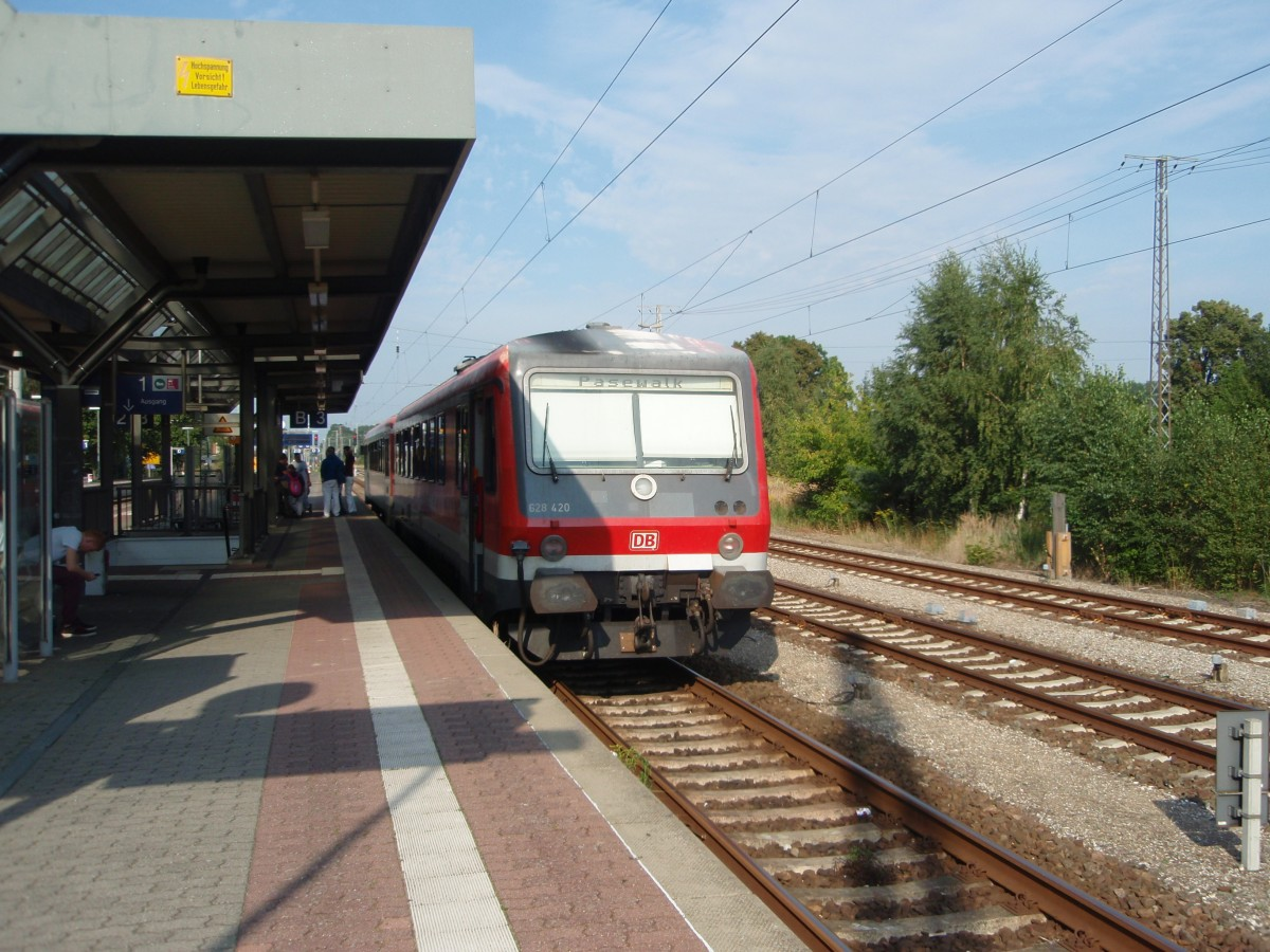 628 420 als RE 4 nach Pasewalk in Bützow. 31.08.2015